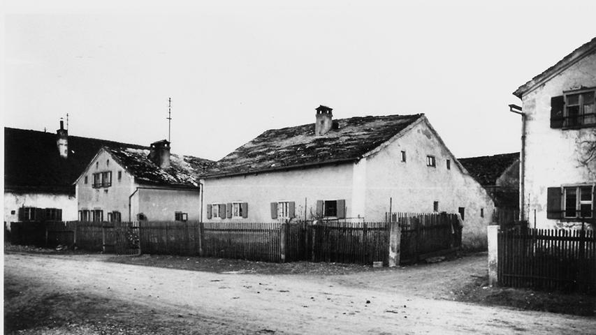 Alte Jurahäuser in einem Treuchtlinger Ortsteil - möglicherweise Graben.