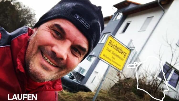 Werner Rank, Trainer des Kreisligisten SV Cronheim, geht mit gutem Beispiel voran und hält sich auch während der Fußball-Zwangspause fit.
