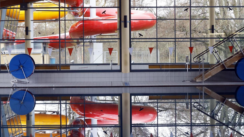 Das Wasser schlägt keine Wellen: Ganz anders das Thema der kaputten Rohre. Seit Jahren kämpft die Stadt vor Gericht, die Badplaner für die Schäden haftbar zu machen. Es geht um 1,5 Millionen Euro.