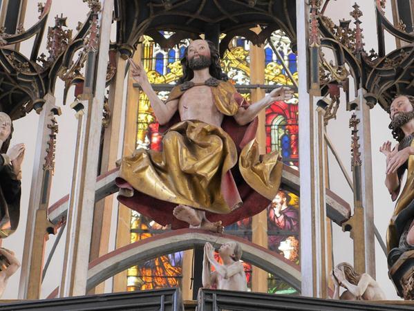 """Lockiger Bart, lässige Segensgeste – Der """"Schwabacher Altar"""" mit Jesus als Weltenrichter im Zentrum stammt aus der Werkstatt des Dürer-Lehrers Michael Wohlgemut."""