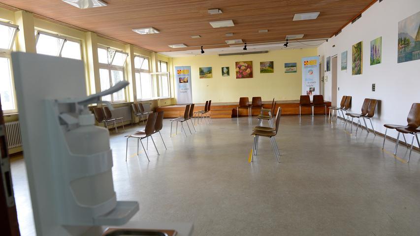 MOTIV: Neue Impfstraße- Forchheim Impfzentrum..Ruheraum nach der Impfung. ..RESSORT: Lokales Forchheim..FOTO: Anestis Aslanidis..ABRECHNUNG: Pauschale