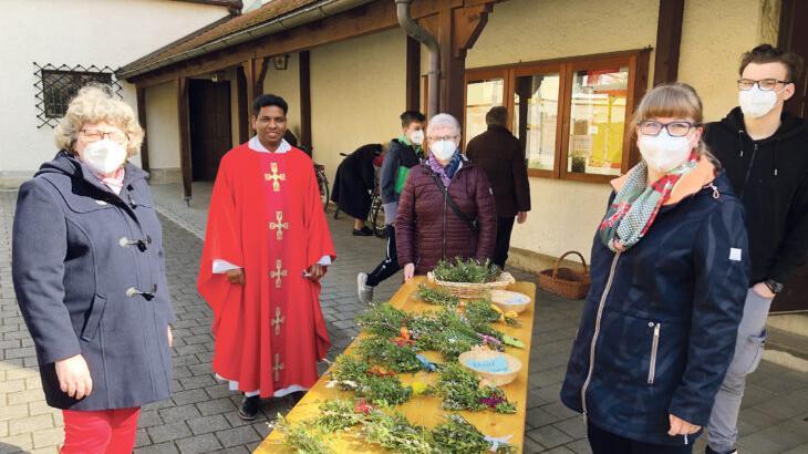 Palmsonntag warbereits ein Vorgeschmack auf das Osterfest – in St. Kunigund in Schnaittach gehört die Palmweihe fest dazu. Pater Ashok Antony Mathew hielt den Festgottesdienst.