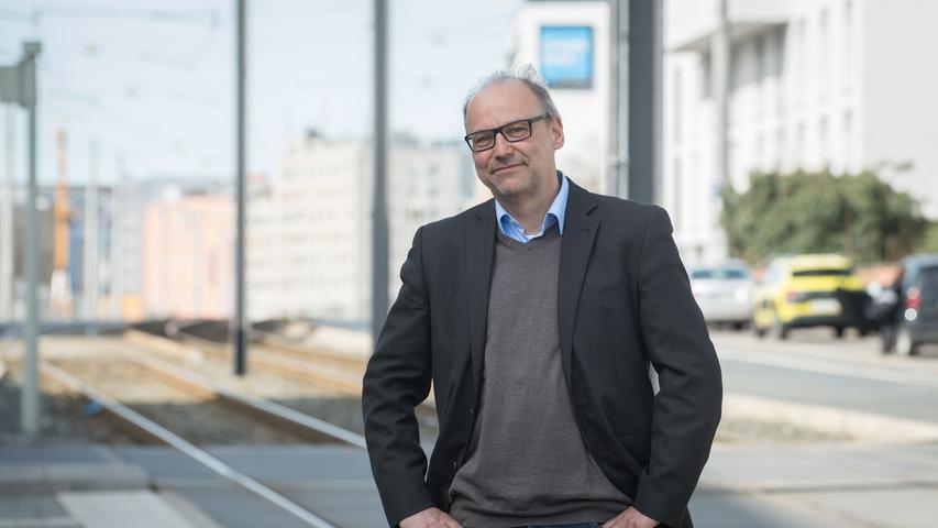 Prof. Dr.-Ing. Harald KipkeistStudiengangsleiter Master Urbane Mobilität(Verkehrsingenieurwesen) und Vorsitzender der Prüfungskommission Urbane Mobilität. Er hat die Forschungsprofessur Intelligente Verkehrsplanung am Nuremberg Campus Of Technology inne.