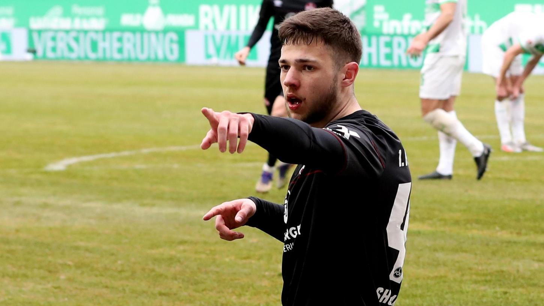 Da geht's aus dem Tabellenkeller: Auf Erik Shuranov ruhen beim 1. FC Nürnberg plötzlich viele Hoffnungen.