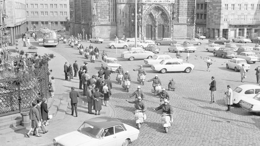 Vesptreffen in Nürnberg, 1966. Originaltext des Fotos: