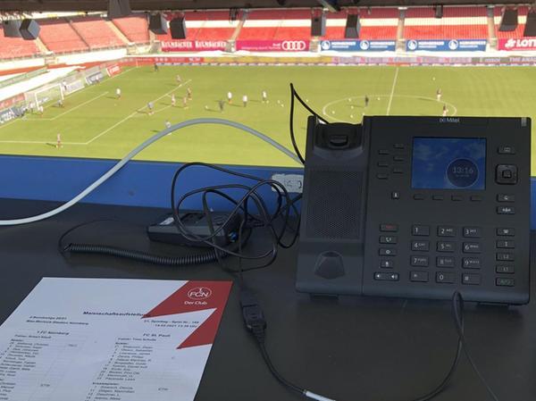 Der Arbeitsplatz: So sieht es aus, wenn Marco Böhm ins Nürnberger Stadion blickt. Auch in Fürth und Regensburg war der 24-Jährige schon im Einsatz.
