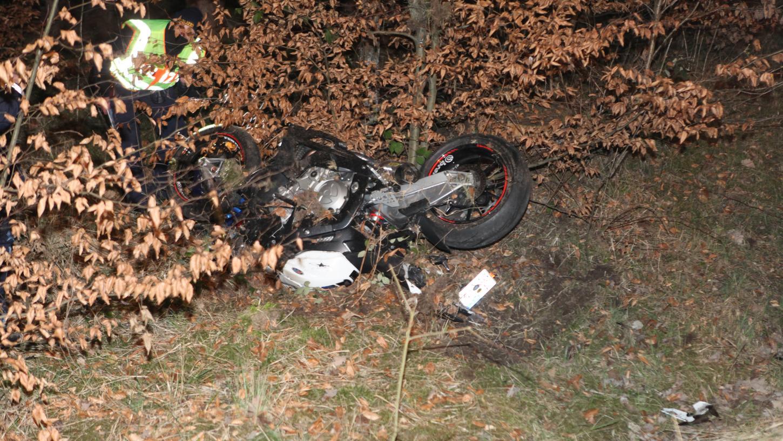 Erst nach Stunden konnte ein Passant das Motorrad des Mannes entdecken.