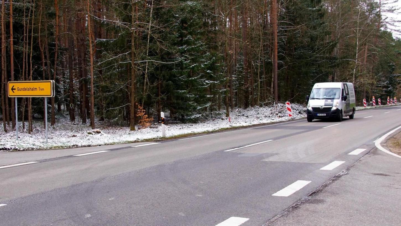 Die Zeichen stehen auf Erneuerung und damit auf Verkehrsbehinderungen. Zwischen Frickenfelden und Rehenbühl kommt es wegen der Bauarbeiten zu einer halbseitigen Sperrung.