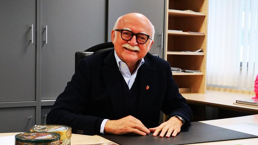 Unternehmer Gerd Schmelzer vermietet die Räume an den Freistaat.