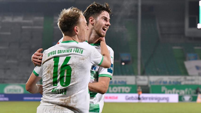Spitzen-Team geschlagen: Holstein Kiel kassiert in Fürth die erste Auswärtsniederlage, die Spielvereinigung unterstreicht mit dem 2:1 am 22. Spieltag, dass mit ihr in dieser Runde zu rechnen ist.