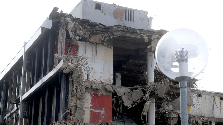 Schwere Maschinen rückten dem früheren Kaufhof in den vergangenen Wochen zu Leibe. Noch bis Mitte des Jahres soll der Abriss dauern.
