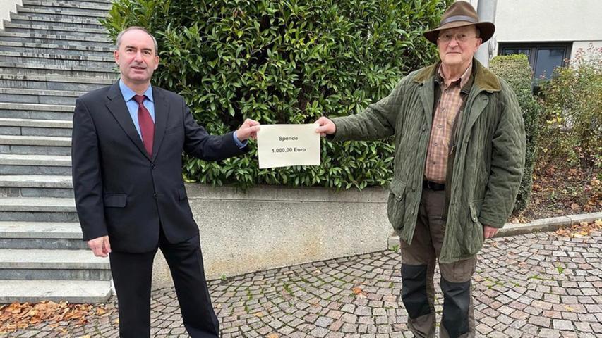 Hubert Aiwanger spendet Ende 2020 1000 Euro aus seinen Abgeordnetenbezügen zur Wildtierrettung an die