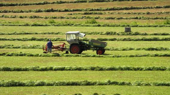 Traktor bei Pinzberg gestreift, aber zu spät die Polizei informiert