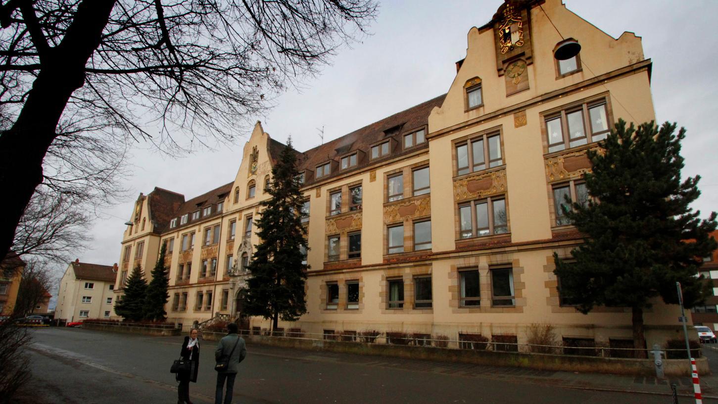 In die Jahre gekommen, aber immer noch ein Hingucker: das Jugendstilgebäude in Muggenhof, das Domizil des Zentrums für Hörgeschädigte.