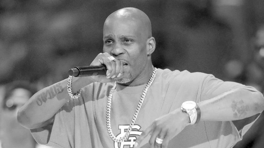 Nach Tagen künstlicher Beatmung nach einem Herzanfall ist US-Rapper DMX im Alter von 50 Jahren gestorben. Der Musiker wurde am 9. April in einer Klinik nördlich von New York für tot erklärt, wie seine Familie mitteilte.