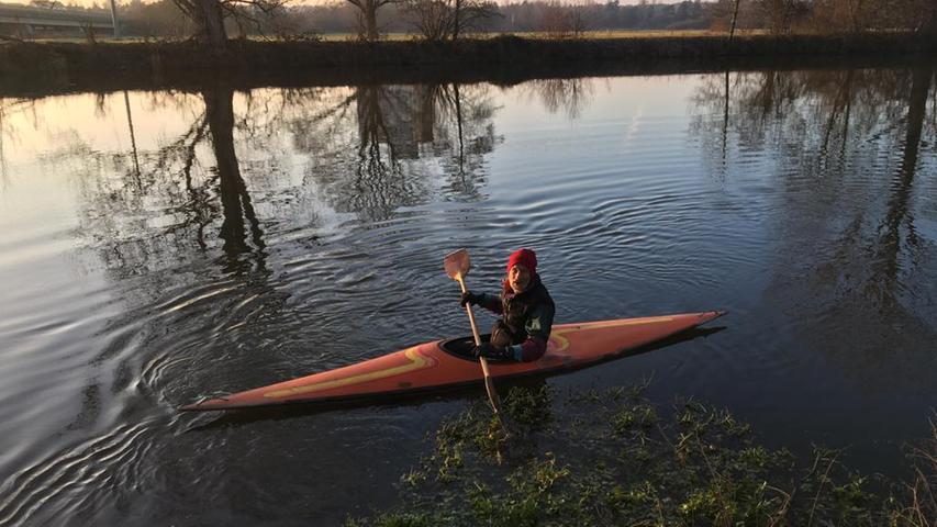 Karl Ostermeier liebt das Wasser, zum Beispiel auf der Regnitz bei Erlangen. Deshalb hat er uns dieses Foto geschickt.