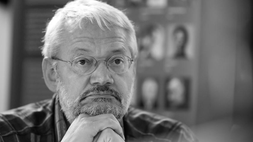 Der Schriftsteller Matthias Biskupek ist am 11. April in Rudolstadt, Thüringen, gestorben. Er wurde 70 Jahre alt.