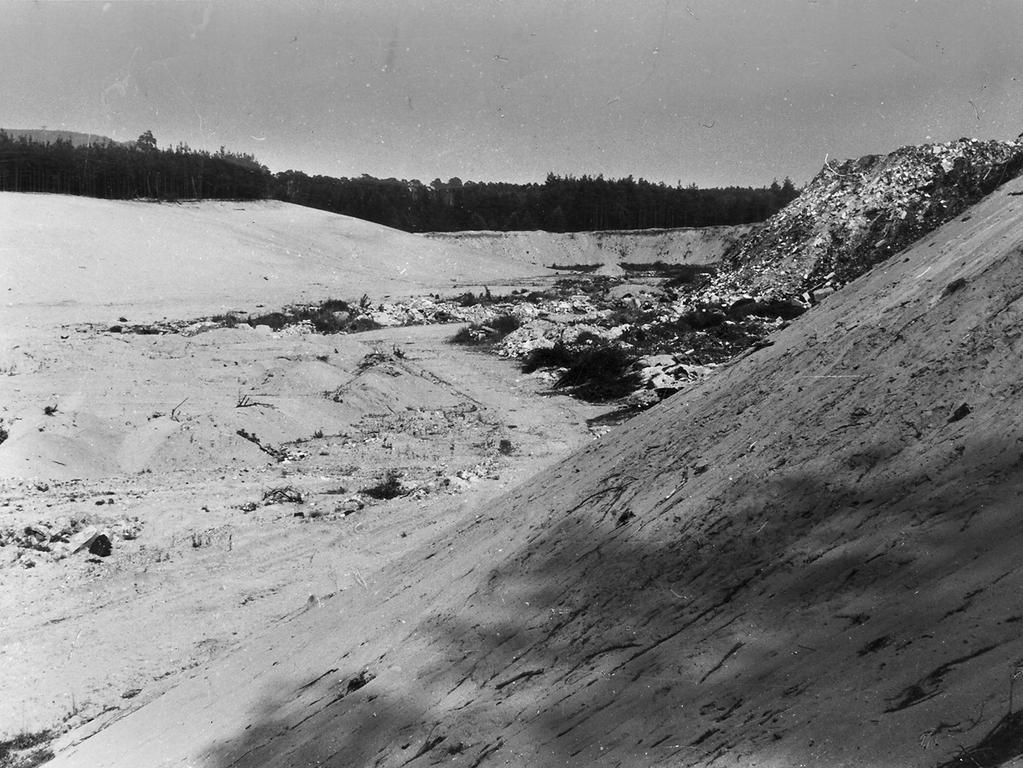 Franken, Reichswald, Sandgrube, Müllkippe, Sechziger Jahre, 1960er. Foto: NN, ohne Namen. Veröff. in den NN am 15.07.1967. -