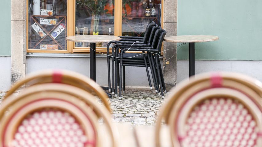 Auch die Gastronomie muss dann geschlossen bleiben.Die Auslieferung von Speisen und Getränken sowie deren Verkauf zum Mitnehmen soll weiter erlaubt sein.