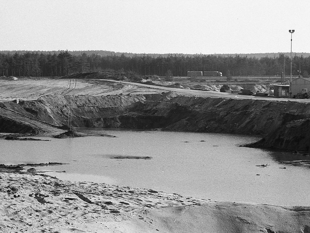 Foto: Hans Kammler / VNP; veröffentlicht NN 17.04.1971, historisch, 1970er Jahre, gesp. 03/2021Motiv: Nürnberg, Birkensee, Naherholung, Erholungsgebiet, Naherholungsgebiet, Schild