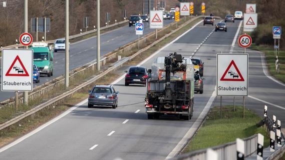 Fußgänger auf Frankenschnellweg von Lkw erfasst und tödlich verletzt