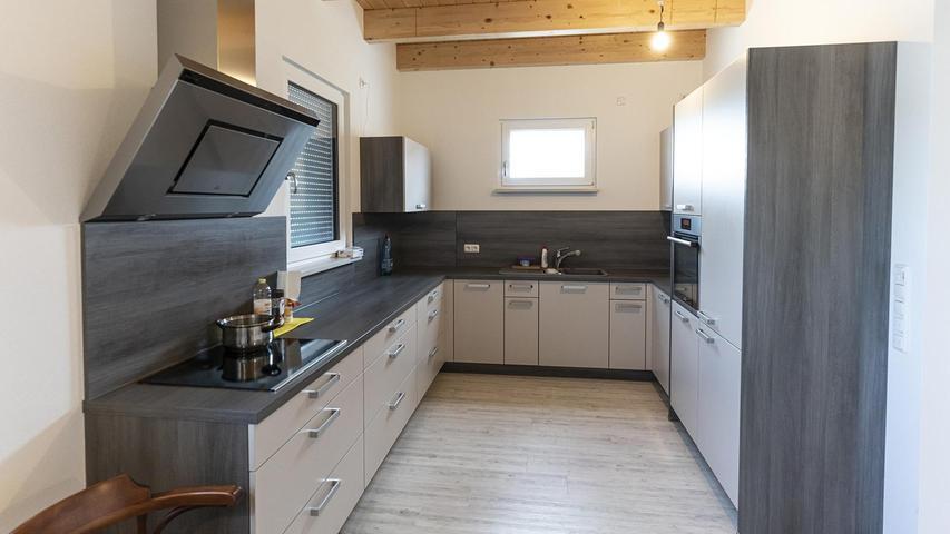 Zur neu ausgebauten Vorarbeiter-Wohnung auf dem Spargelhof Rudolph gehört auch eine eigene Küche.