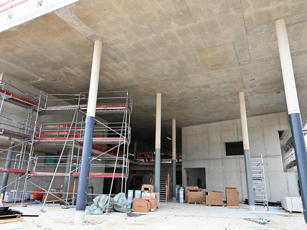 Der Bau des Bürger-, Begegnungs- und Gesundheitszentrums (BBGZ) ist im Zeitplan. Der Rohbau ist so gut wie fertig, der Innenausbau hat bereits begonnen..Foto: Klaus-Dieter Schreiter