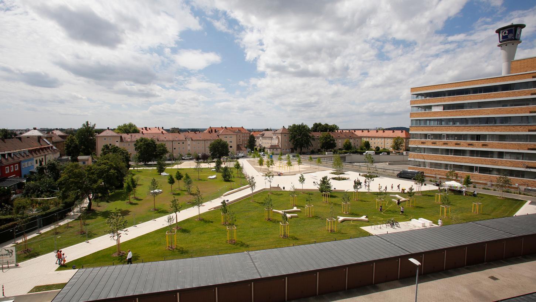 Der Quellepark gehört zu den Leuchtturmprojekten aus dem Masterplan Freiraum. Hier wurde eine komplett versiegelte Fläche in Grün entsiegelt.