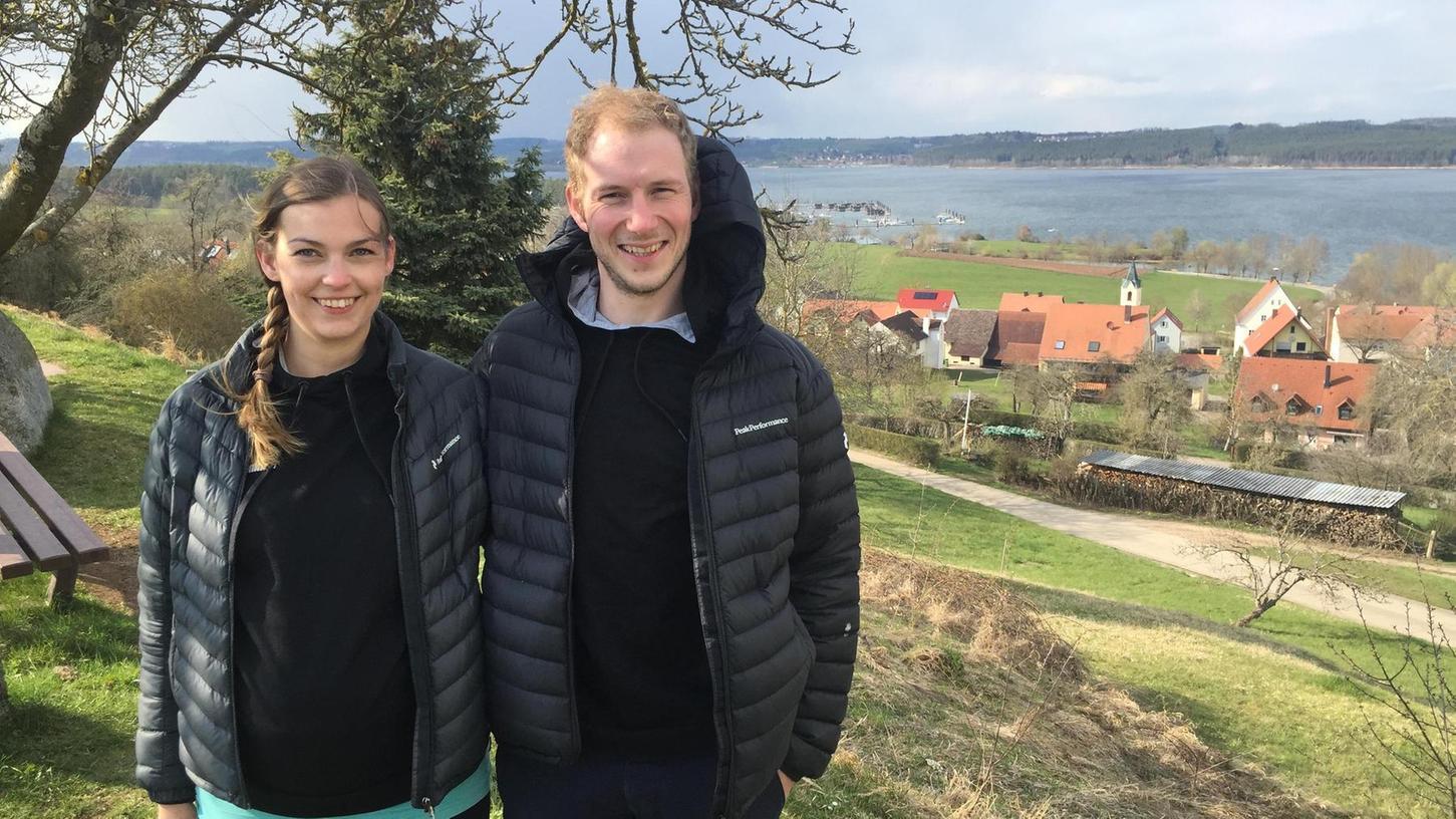 Ihnen gefällt es in Ramsberg und am Brombachsee: Carolin Lauche ist letztes Jahr mit ihrem Verlobten Philipp Häußler in dessen fränkische Heimat gezogen, wo sie ein Haus renovieren und Nachwuchs erwarten. Beide sind zudem als Trainer der Weißenburger Volleyballteams tätig und hoffen auf einen baldigen Re-Start.