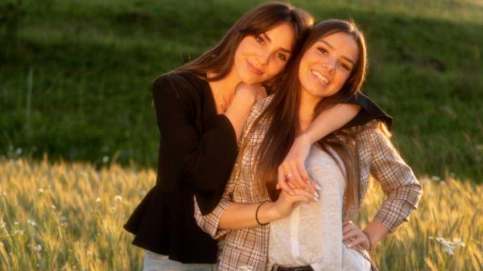 Tatjana und Lorena Bittner verstehen sich nicht nur gut, sondern auch die Sorgen von Jugendlichen.