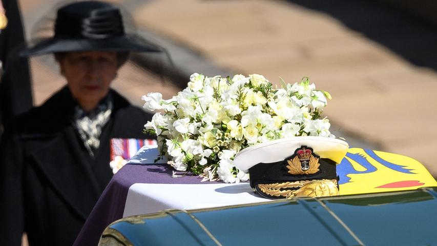 Prinzessin Anne, das zweite Kind von Prinz Philip und Queen Elizabeth II., ging neben ihrem Bruder Charles ebenfalls direkt hinter dem Sarg.