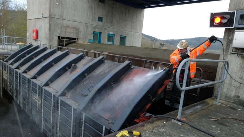 Große Inspektion: Die Kanal-Schleuse Berching  wird saniert