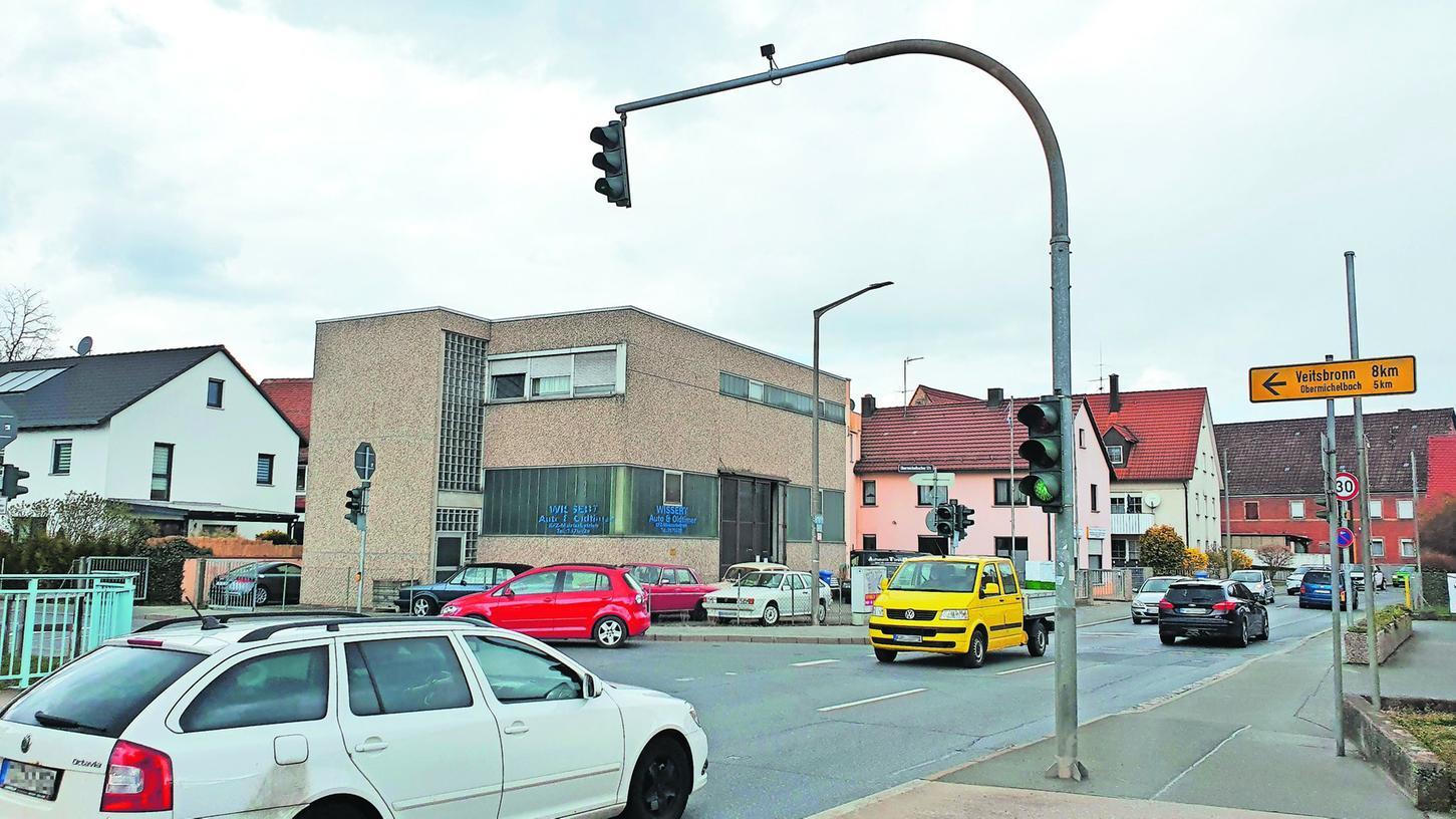 Einer der Knackpunkte: Wo Vacher und Obermichelbacher Straße aufeinandertreffen, befürchtet man in Vach eine deutlich höhere Belastung. Möglicherweise muss für Fahrzeuge, die vom Solarberg kommen und abbiegen möchten, ein eigener Linksabbiegestreifen her.