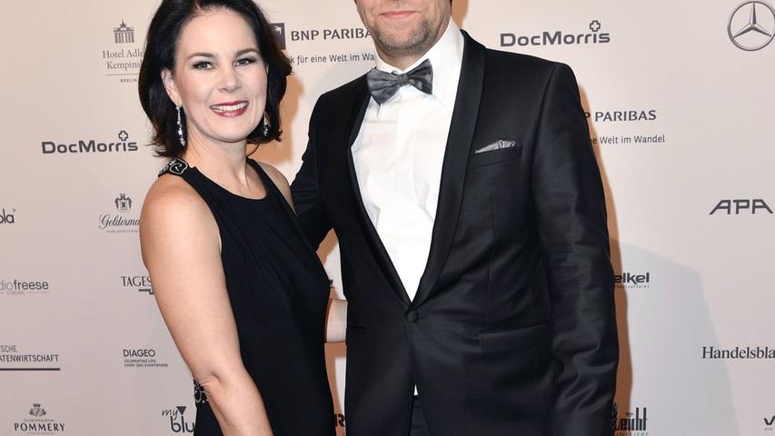 Baerbock ist mit dem Politikberater und PR-Manager Daniel Holefleisch verheiratet.