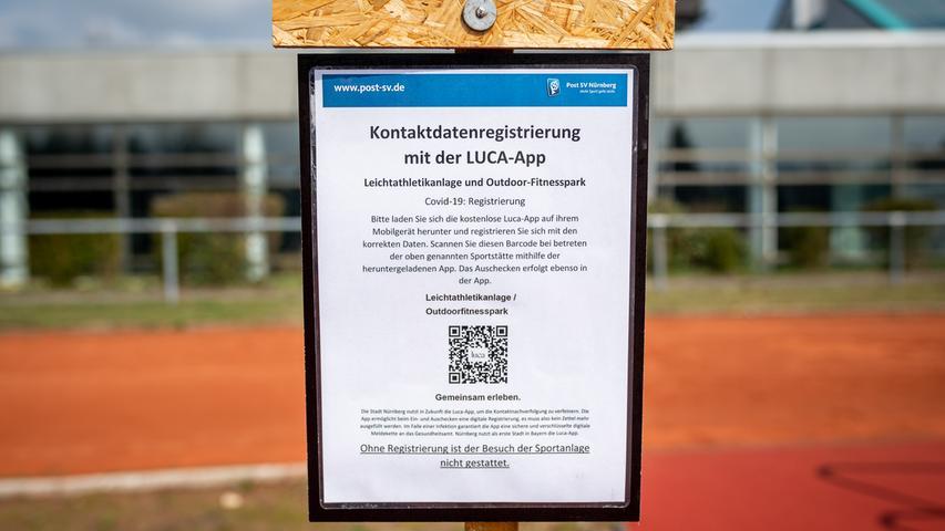 20.04.2021 --- Der Post SV Nürnberg erweitert sein Outdoor-Fitness-Angebot und holt ein europaweites Pilotprojekt im Bereich Outdoor-Sport mit EU-Förderung nach Deutschland --- Foto: Sport-/Pressefoto Wolfgang Zink / ThHa ---   Impression Kontaktdatenregistrierung
