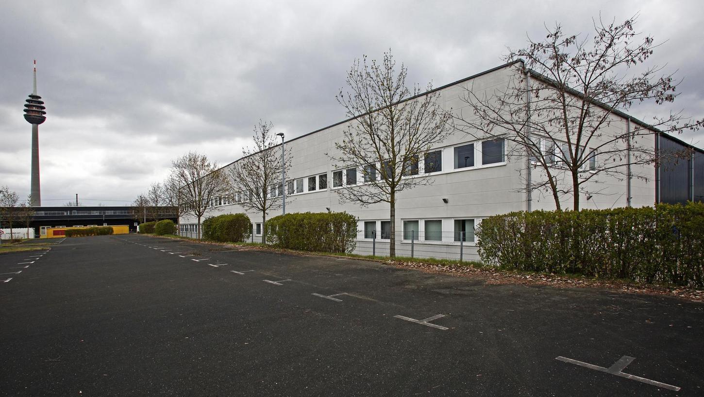 Ein leerstehendes Bürogebäude in der Tillystraße könnte künftig die Ateliers von 20 bis 30 Künstlern beherbergen.