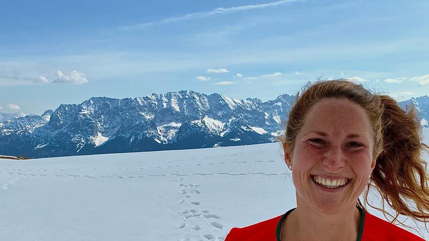 Foto: Running Team Schamel / privat; überm.v. aregler@gmx.de; gesp. 04/2021; ... Motiv: Läuferin Annika Johann vom Running Team Schamel aus Baiersdorf bei Alpe-Adria-Adventure, hier: Wank 2; Laufen; Berglauf;