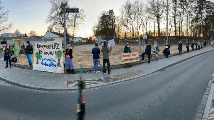 Rennbahn am Reichelsdorfer Keller: Mahnwache für bedrohte Bäume