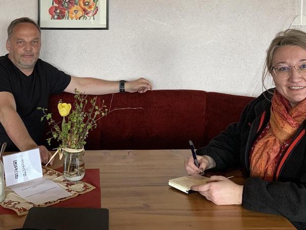 Informationen aus erster Hand holte sich die Pottensteinerin Birgit Haberberger beim Bürgermeister von Augustusburg, Dirk Neubauer.