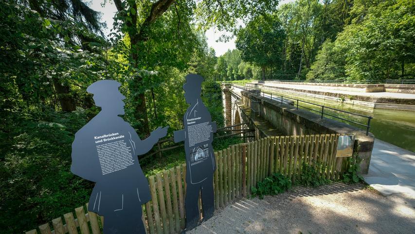 Ein Industriedenkmal der anderen Art ist der Ludwig-Donau-Main-Kanal, der südlich von Nürnberg bis weit in die Oberpfalz noch erhalten ist. Zwischen Feucht und Schwarzenbruck befindet sich der Brückkanal: Die künstliche Wasserstraße befindet sich auf einem kurzen Stück in luftiger Höhe, um die Schwarzach darunter passieren zu lassen.