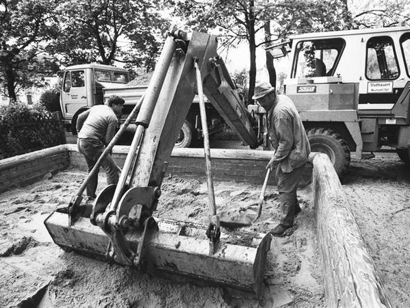 Radioaktiver Niederschlag: Die Folgen der Reaktorkatastrophe waren auch in Neumarkt konkret spürbar. Nach Regen und Gewittern wurden die Sandkästen an den Spielplätzen geleert.