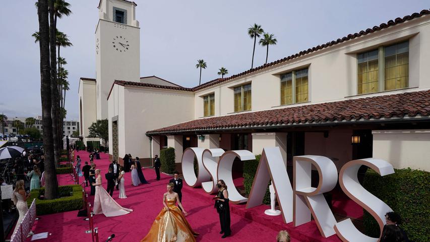 Stars auf dem Roten Teppich und alle Gewinner: Das waren die Oscars 2021