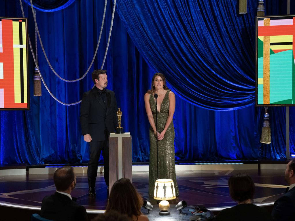 James Reed and Pippa Erlich accept the Oscar for Documentary Feature during the live ABC Telecast of The 93rd Oscars at Union Station in Los Angeles, CA on Sunday, April 25, 2021. Los Angeles CA USA PUBLICATIONxINxGERxSUIxAUTxONLY Copyright: xToddxWawrychukx 34135765THA