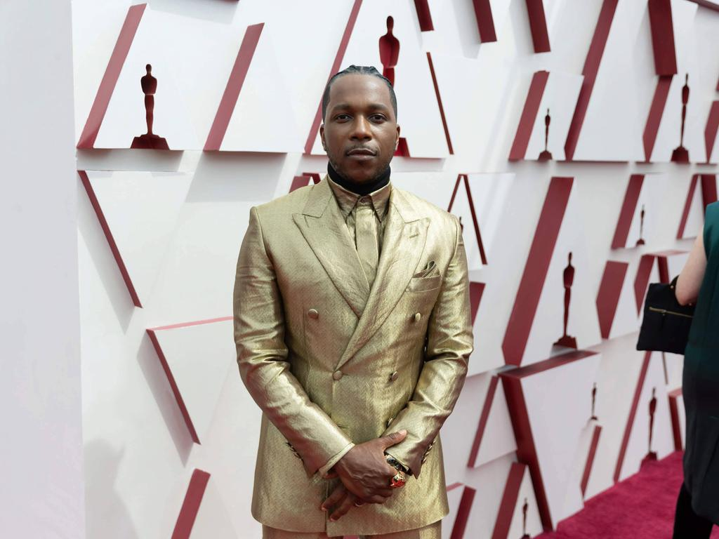 Oscar nominee Leslie Odom, Jr. arrives on the red carpet of The 93rd Oscars at Union Station in Los Angeles, CA on Sunday, April 25, 2021. Los Angeles CA USA PUBLICATIONxINxGERxSUIxAUTxONLY Copyright: xMattxSaylesx 34135572THA
