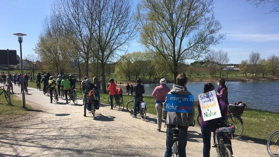 Fahrrad-Demo gegen Center Parcs