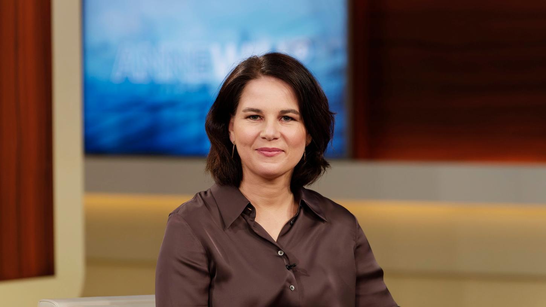 Zu Gast bei Anne Will: Annalena Baerbock.