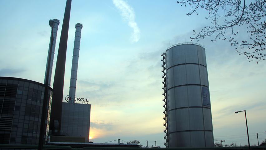 So wie man die N-Ergie heute als regionalen Versorger kennt, gab es den Konzern nicht immer. Die N‑Ergieging aus dem Fusionsprozess der regionalen Traditionsunternehmen EWAG Energie und Wasserversorgung AG, Fränkisches Überlandwerk AG (FÜW) und MEG Mittelfränkische Erdgas GmbH hervor und wurde im März 2000 von der Städtische Werke Nürnberg GmbH (StWN) und der Thüga AG im März 2000 gegründet.