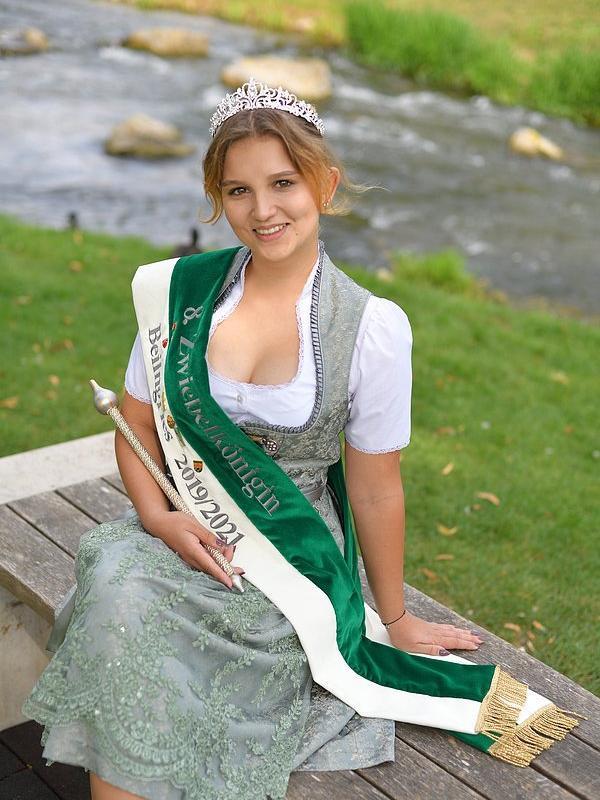 Beilngrieser Zwiebelkönigin Anna Root