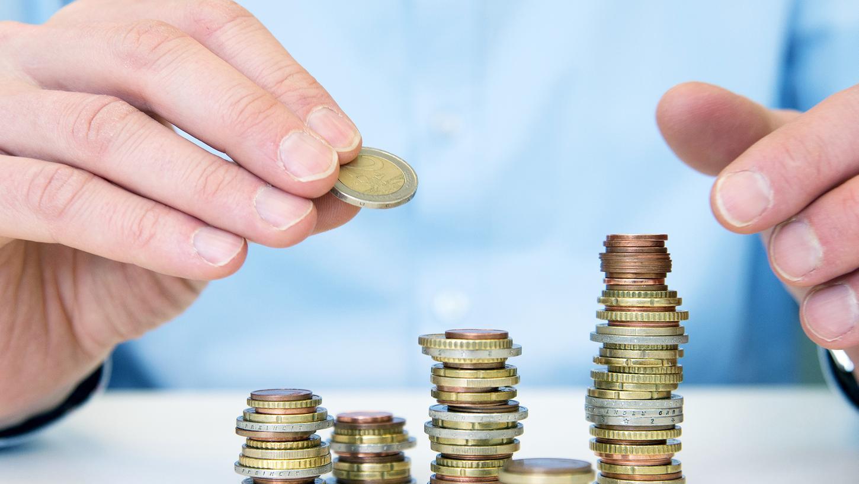 Wer eine Lebensversicherung neu abschließt, muss mit deutlcih weniger Garantiezinsen rechnen.