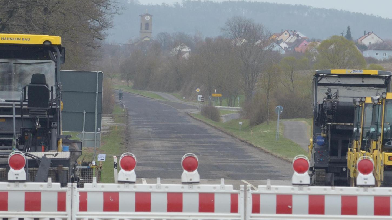 Endstation Munasiedlung:Die Bundesstraße 13 ist bis Mittwochabend komplett gesperrt, ab Christi Himmelfahrt aber wieder frei.Foto: Günter Blank
